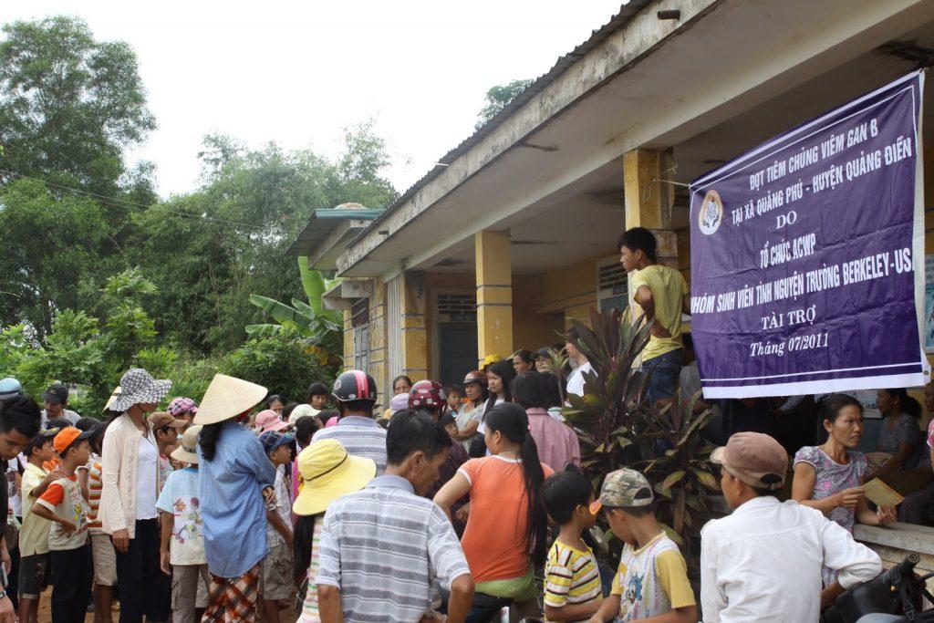 People crowding in front of Hepatitis B vaccination clinic VMO members were volunteering at.